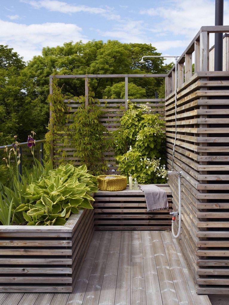 Terrasse med god planløsning, varige vakre materialer og mye grønt. En frodig lunge på taket av bygården midt i byen ble til stor glede for alle beboerne.