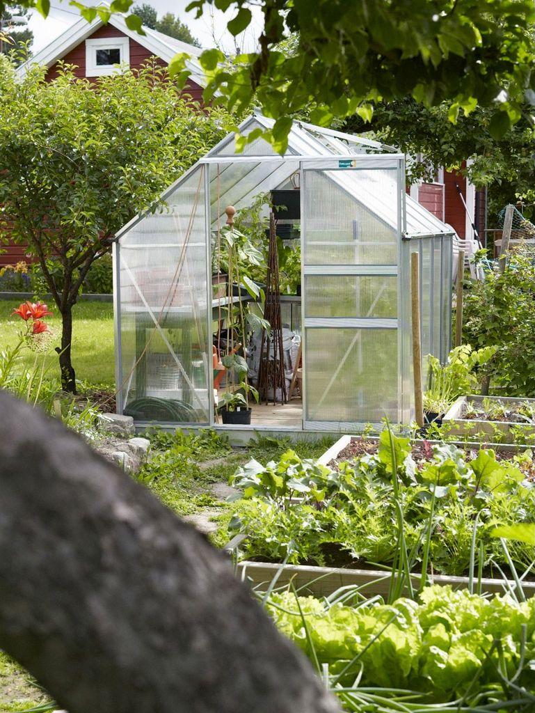 I denne kolonihagen jobbes og planlegges det året rundt. Se tipsene sesong for sesong, for grønnsaker, planter og blomster.  Kjøkkenhage.
