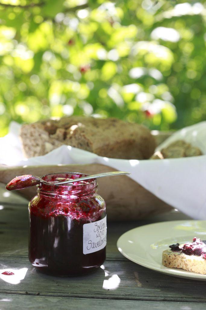 Bær fra hagen, barnas kjøkkenhage, solbærsyltetøy.