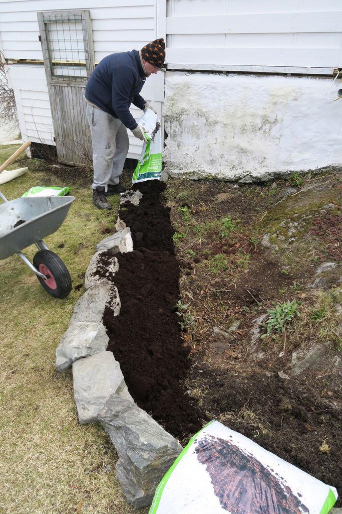 Tips til hvordan et gammelt steinbed kan bli forbedret og fremstå som nytt.